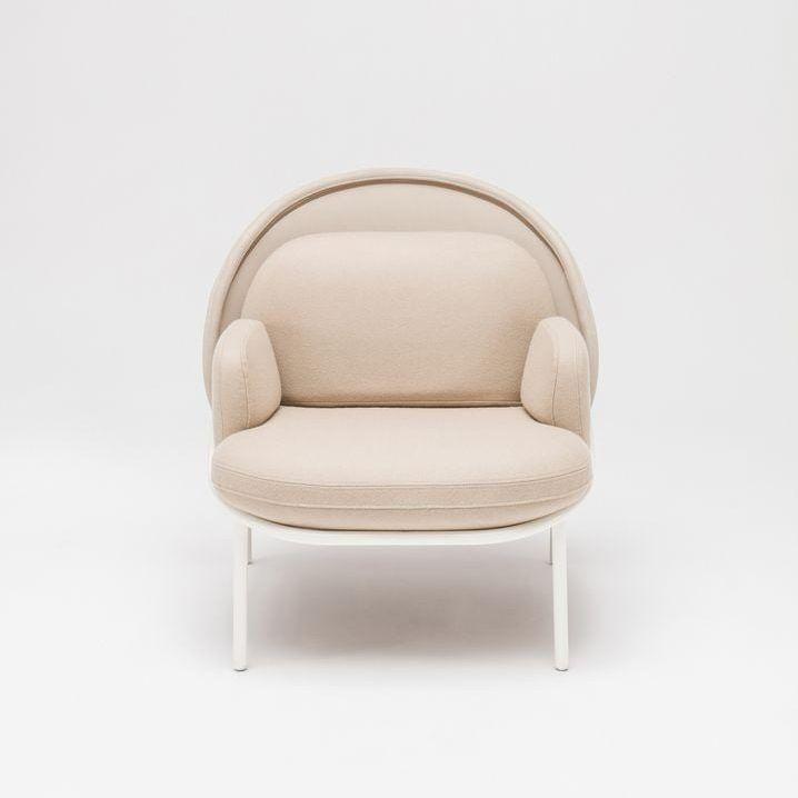Mesh armchair Fabric: Blazer, Runner Colour: Cuz47, R61128 Base colour:  M015