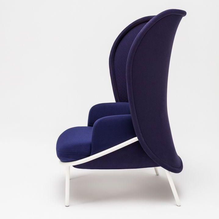 Mesh armchair Fabric: Atlantic, Runner Colour: A66064, R66064 Base colour:  M015