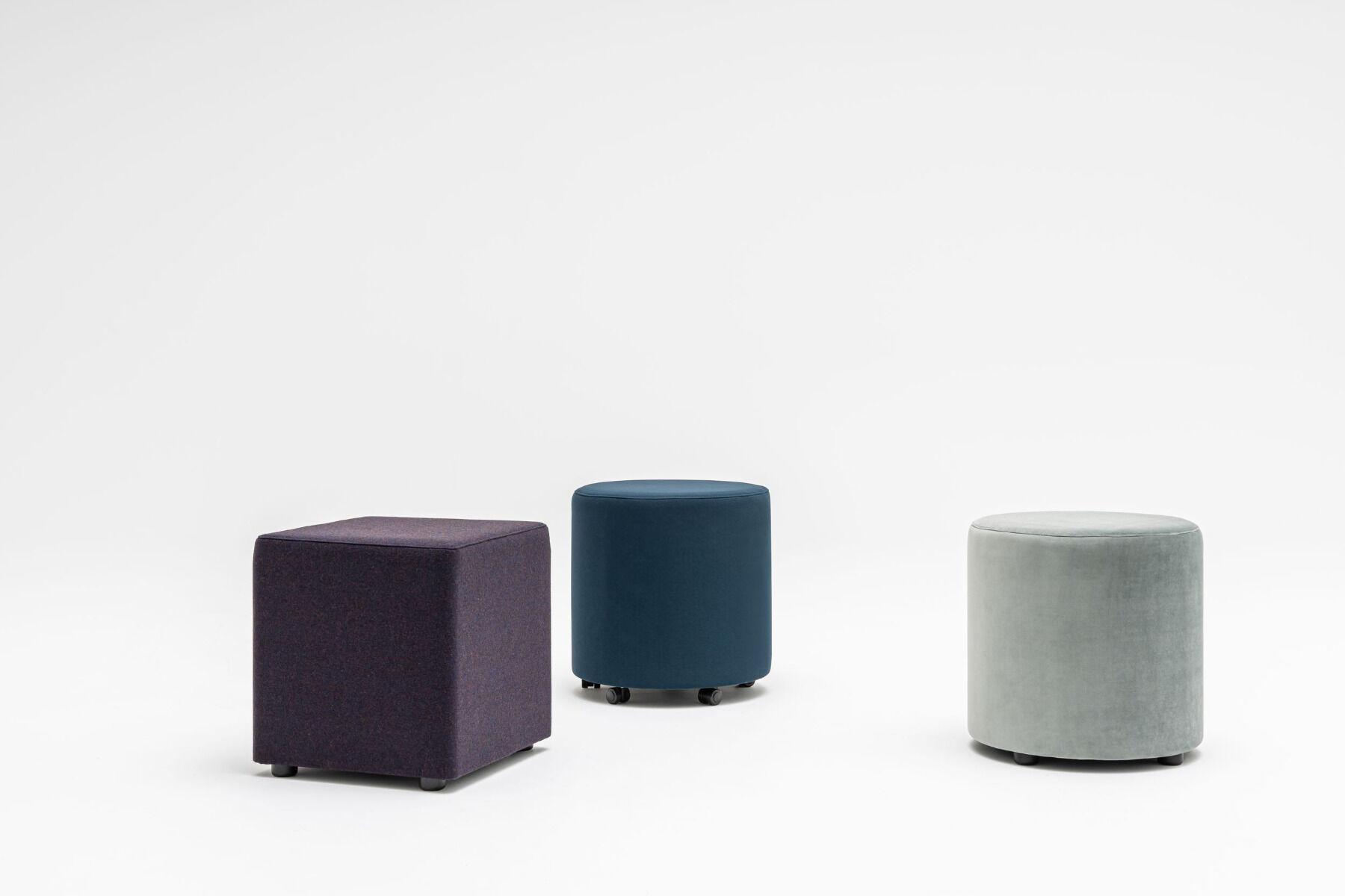 Mix pouf Fabric: Synergy, Atlantic, River Colour: Lds61, A66057, Rv34