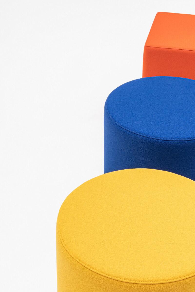Mix pouf Fabric: Xtreme Colour: YS072, YS100, YS076