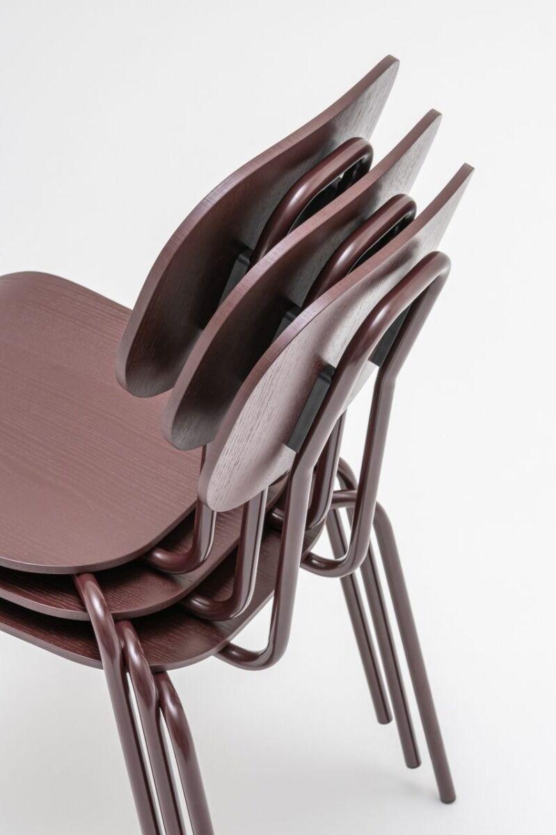 New School chair Colour:  M020 Base colour:  M013