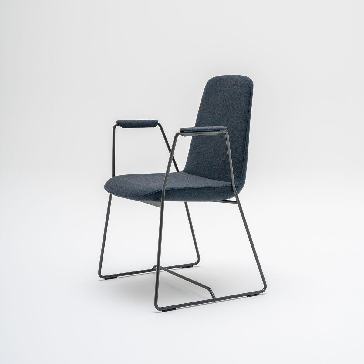 Chair Ulti Fabric: Atlantic Color: A60025  Base color:  M154