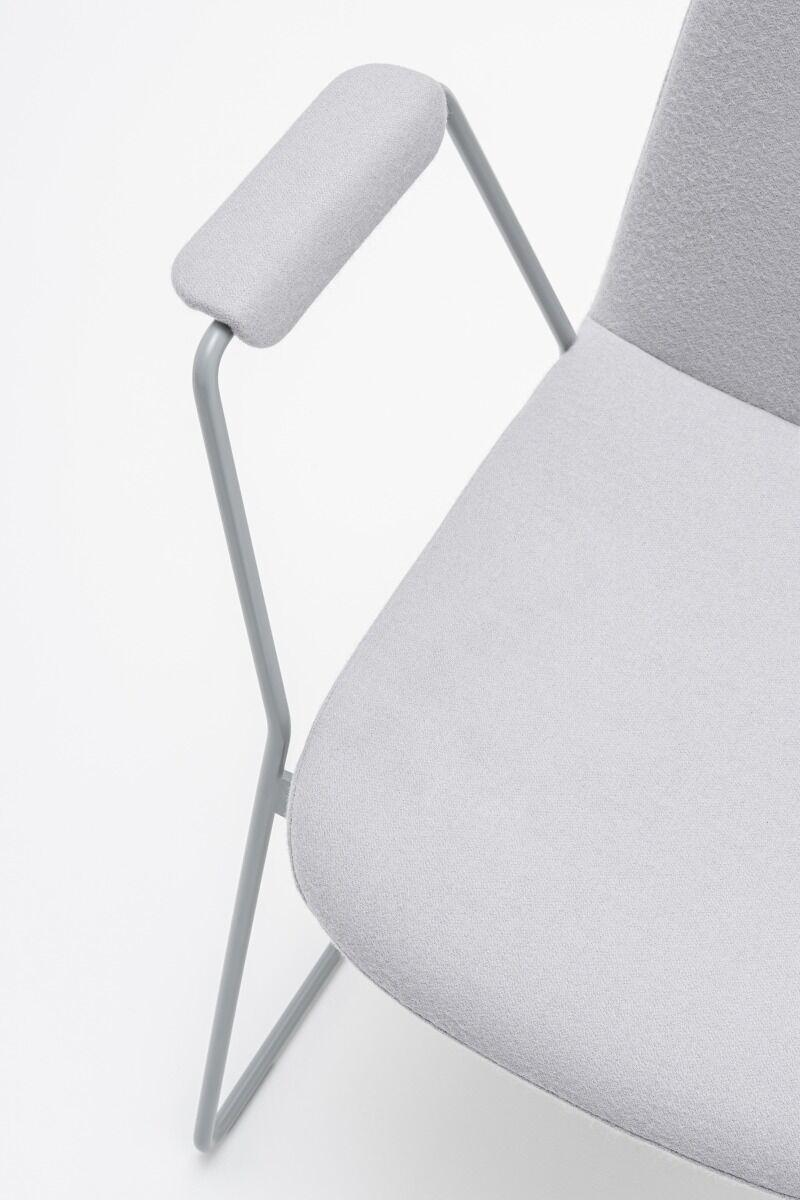 Ulti chair Fabric:  Synergy Colour:  Lds20 Base colour:  M010